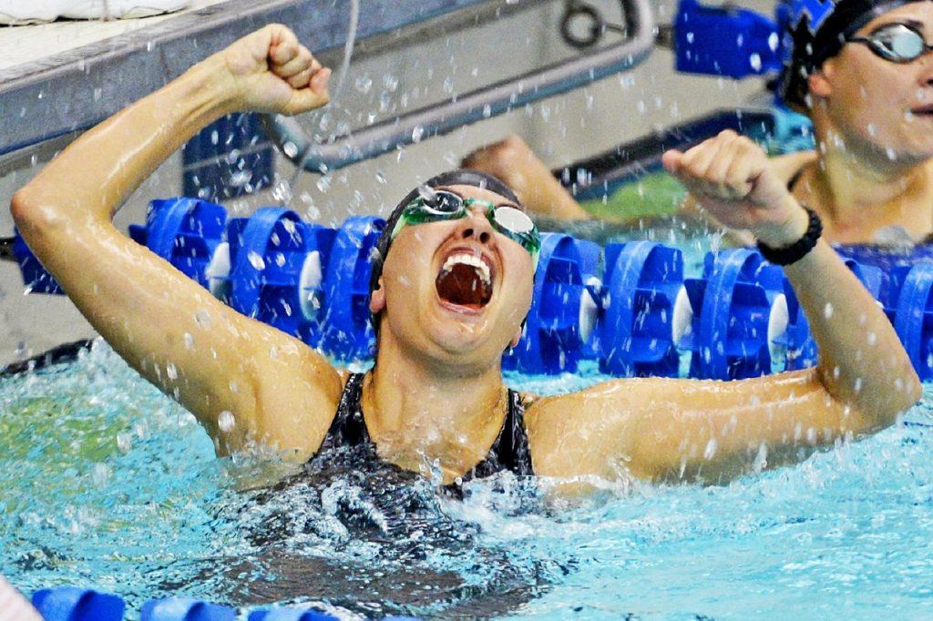 vincitrice gara nuoto